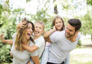 Unterhaltszahlungen per Ehevertrag nach einer Scheidung auszuschließen, kann für beide Seiten dann sinnvoll sein. (#07)