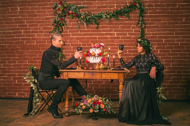 Damit sich das Brautpaar selbst ungezwungen und möglichst natürlich vor der Kamera präsentieren kann, sind zudem Vertrauen und eine gute Chemie zwischen Fotograf und Brautpaar entscheidend.